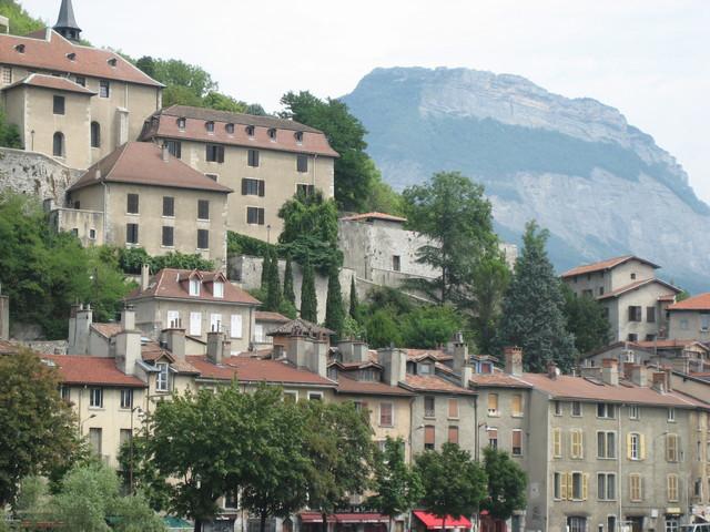 Maisons et montagne à Grenoble